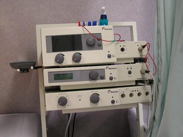 中周波+超音波治療器